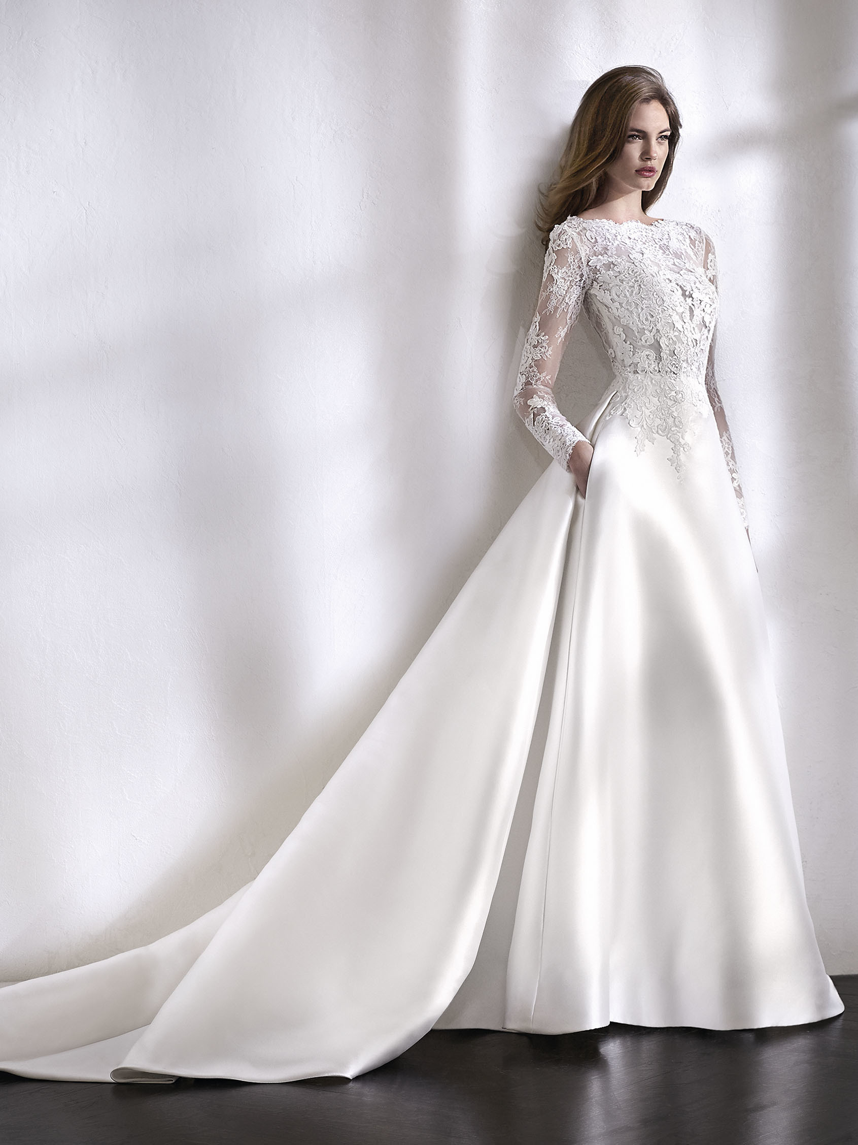Brides by Elizabeth wedding gown
