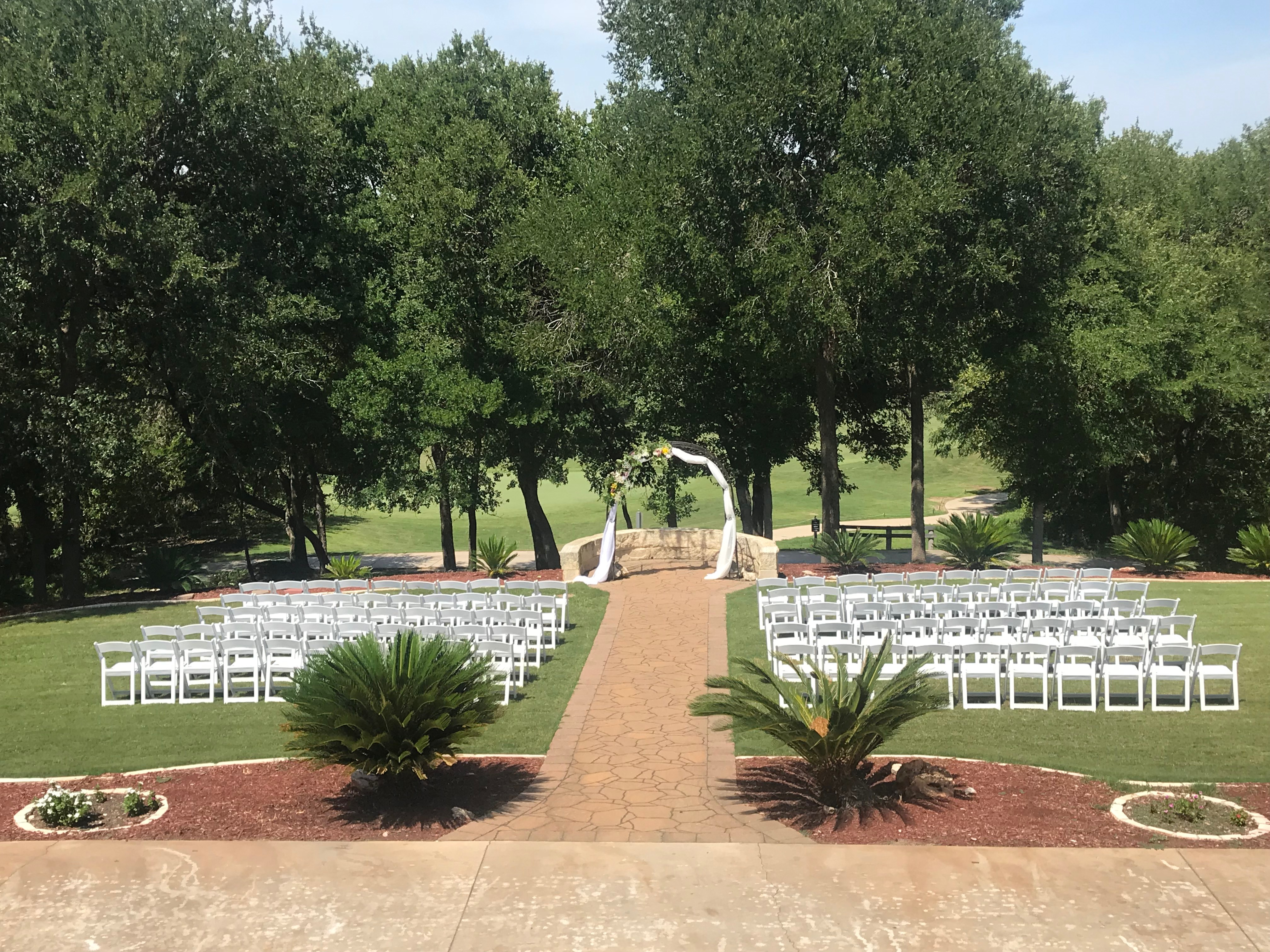 Olympia Hills ceremony aisle