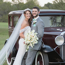 Kasie & Quinton in their Real Wedding in the Texas Wedding Guide